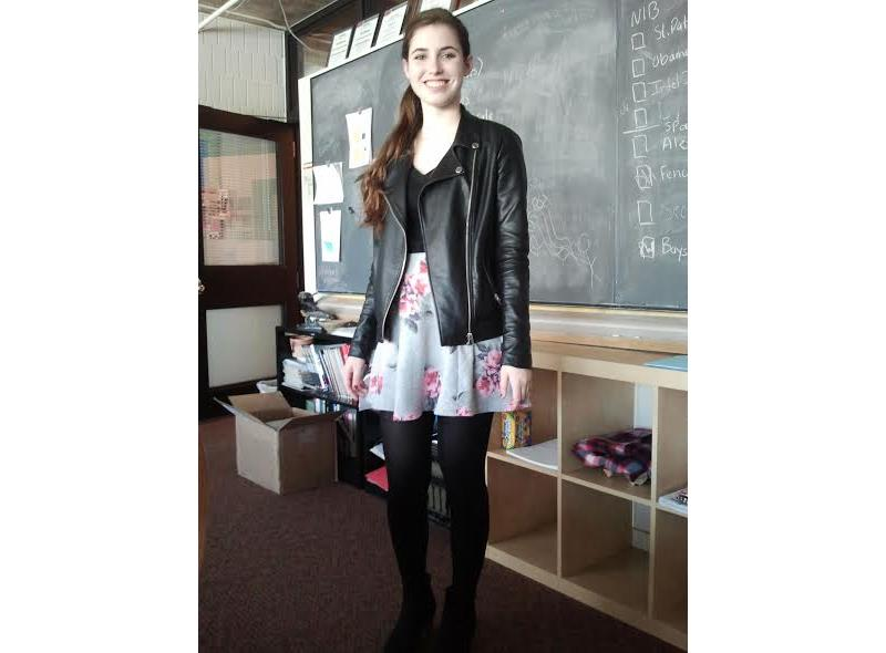 Sophomore+Caroline+Montague+wears+a+circle+skirt.+%22I+like+wearing+circle+skirts+because+they%27re+flattering+and+make+a+nice+silhouette%2C%22+she+said.+