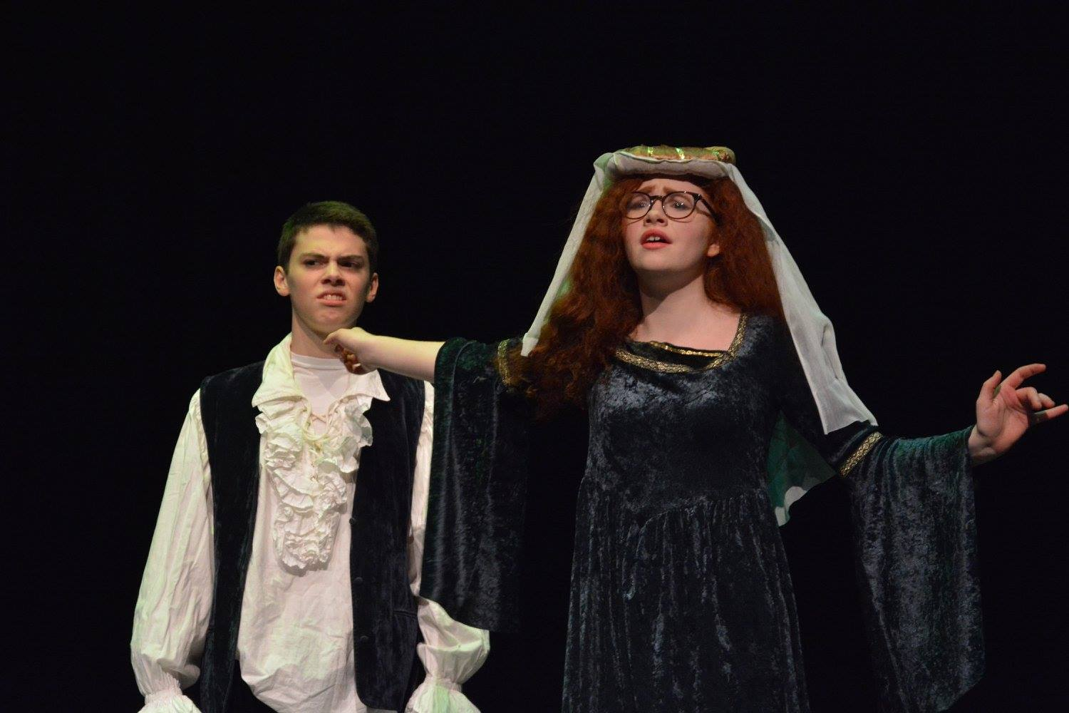 Junior+Lillian+Pettigrew+and+9th+grader+Henry+Vliestra+play+husband+and+wife+in+the+Shakespearean+spoof+in+the+One+Acts+on+Jan.+27.