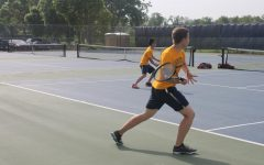 [PHOTO GALLERY] Boys tennis competes at individual sections on home courts