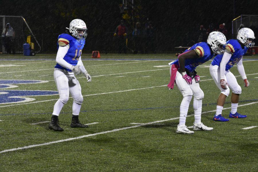 Senior+Tommy+Stolpestad%2C+quarterback%2C+prepares+for+play.