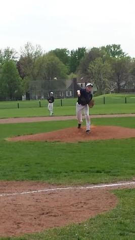 Boys Varsity Baseball wins first section game against Edison