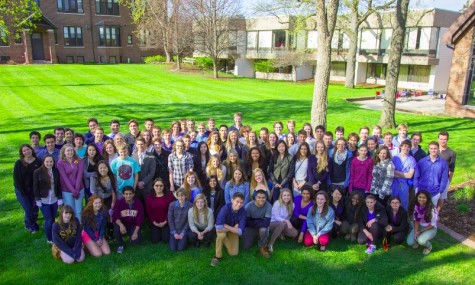 The Class of 2014 poses for a class photo on the front lawn during senior project check-in on May 15.