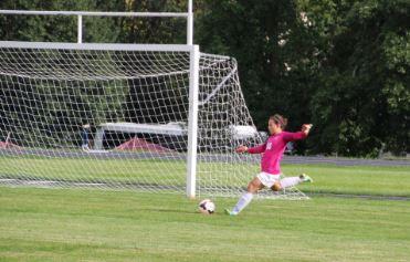 Girls varsity soccer season kicks off with high hopes