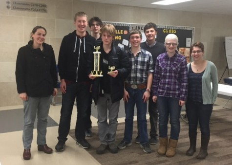 Quiz Bowl team advances to quarterfinals in MNHS Quiz Bowl League playoffs