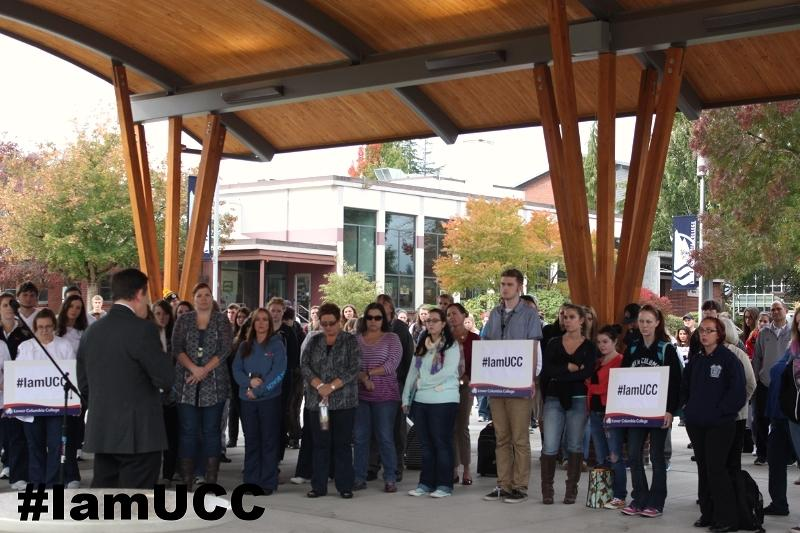 Lower+Columbia+College+take+a+moment+of+silence+in+honor+of+the+victims+of+the+Umpqua+Community+College+shooting+on+Oct.+1.+SPA%27s+Student+Political+Union+has+been+discussing+the+event+and+the+nation%27s+response.+%E2%80%9CWe+%5BSPU%5D+should+definitely+continue+to+discuss+it+and+try+our+best+to+inform+people+on+what+is+going+on%2C%E2%80%9D+sophomore+Numi+Katz+said.