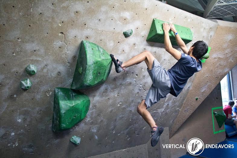 Sophomore+Zach+White+prefers+bouldering+to+other+types+of+climbing.+I+never+really+think+when+Im+climbing%2C+it+just+happens%2C+White+said.