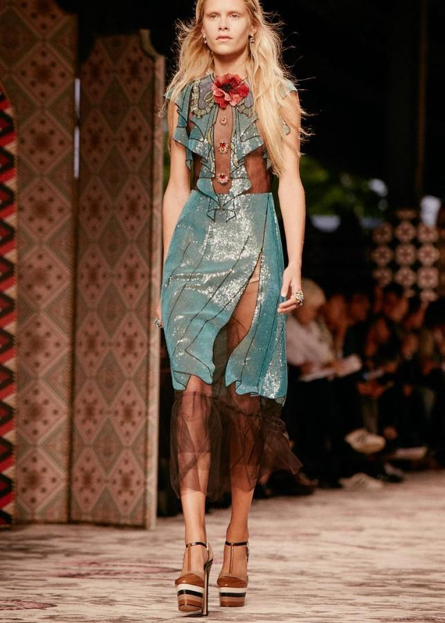 GUCCI'S show features transparency and illusion.