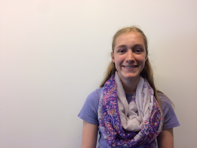 Sophomore+Maggie+Hlavka+enjoys+using+her+time+outdoors+to+look+for+and+identify+a+variety+of+birds.