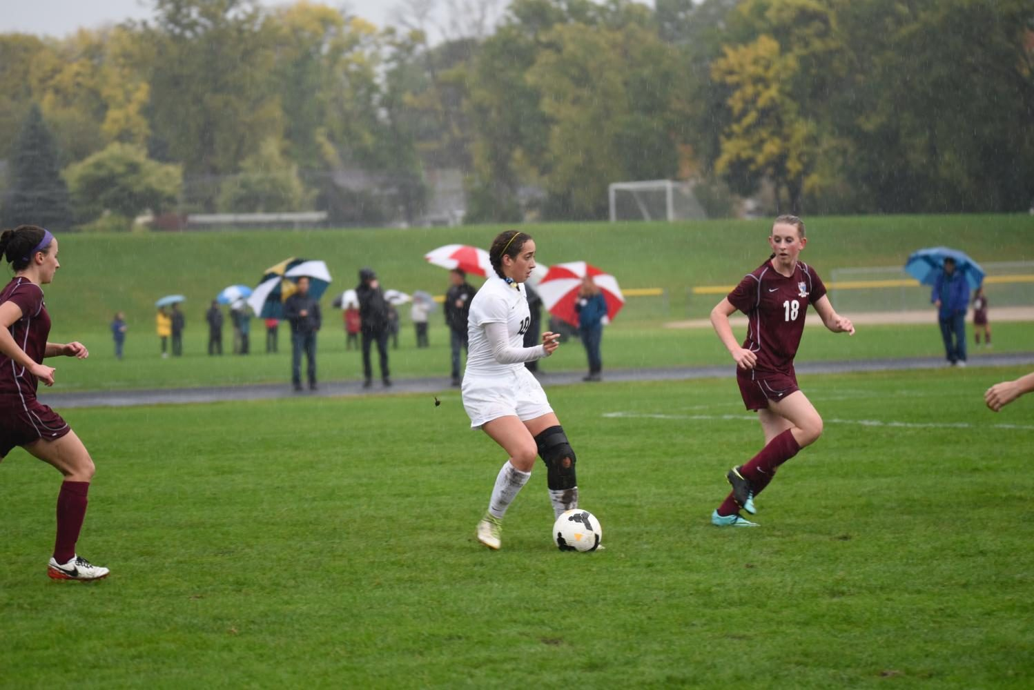 Senior Dina Moradian looks to find a pass to a teammate.