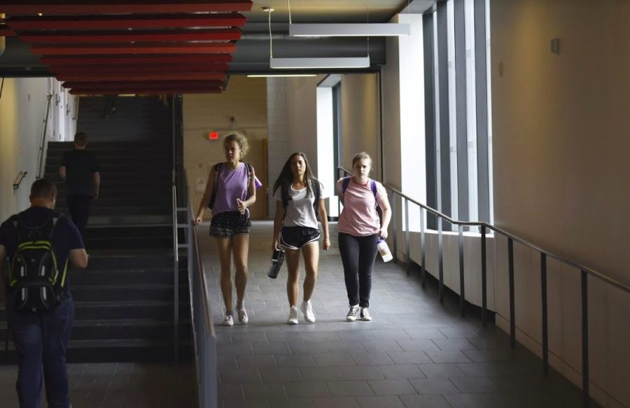 Students arrive at the Huss Center to pick up their yearbooks.
