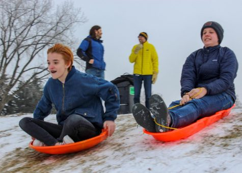 [PHOTO GALLERY] Outdoors Club hosts sledding and hot chocolate party
