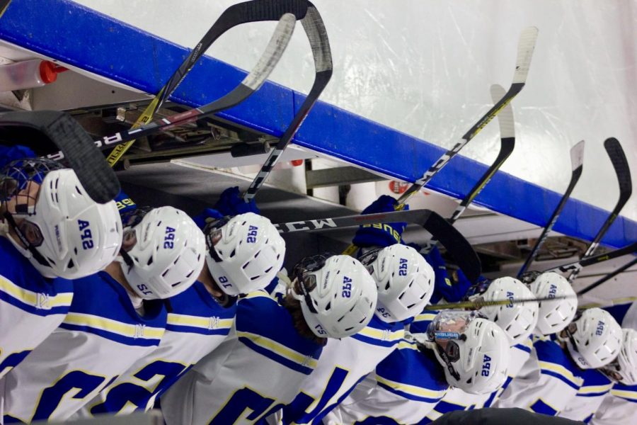 The+Boys+Varsity+Hockey+team+hosted+a+teacher%2Fstaff+appreciation+game+against+Minnehaha+Academy+on+Jan.+22+in+Drake+Arena.+