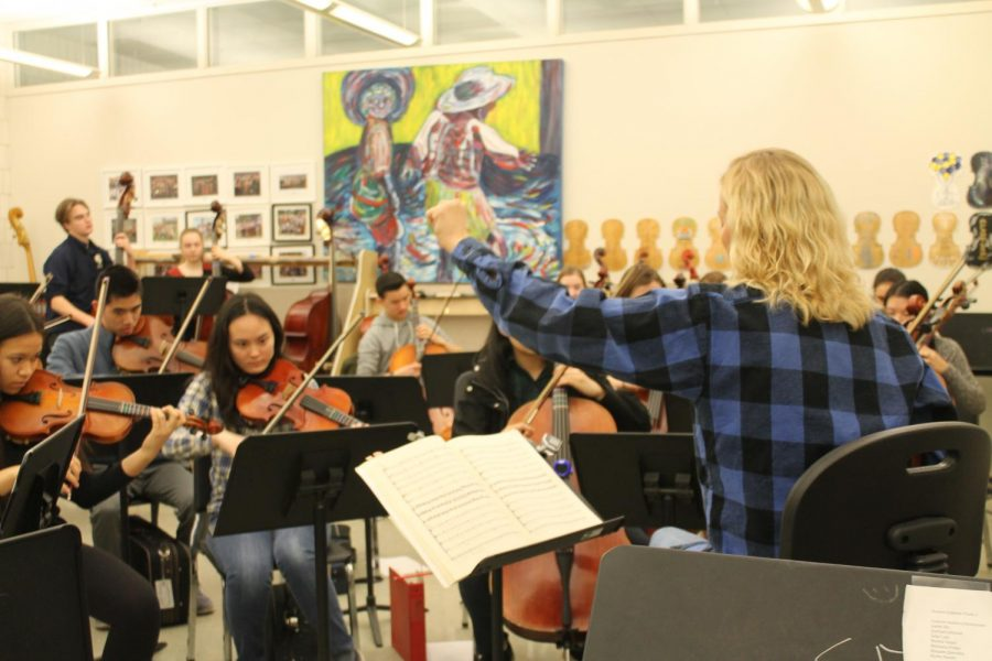Orchestra Director Almut Engelhardt instructs the Honors Sinfonia.