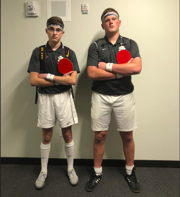Senior+Ryan+Moore+and+senior+Shane+Litman+dress+as+ping+pong+players+for+twin+day.