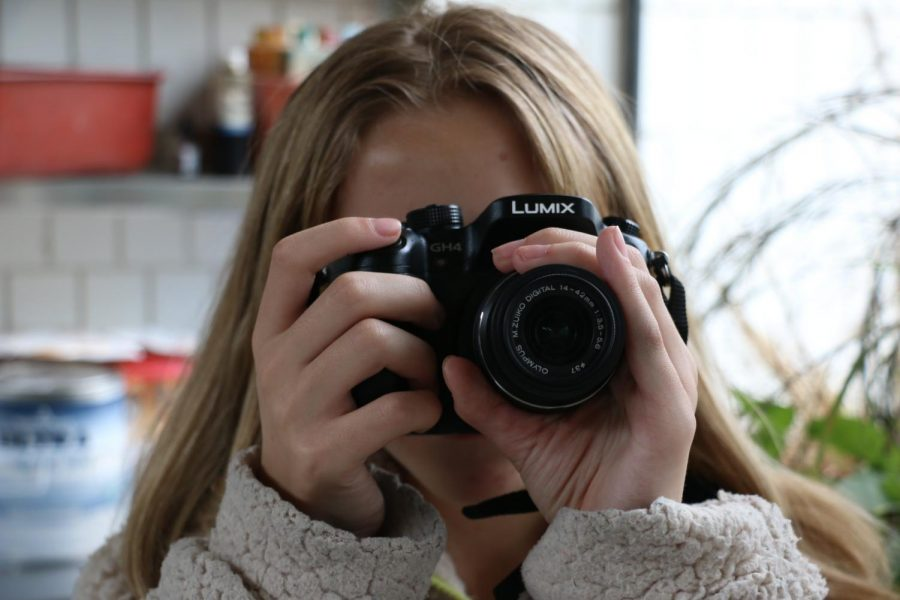 Junior Hannah Davies-Jacob gets a little meta with a camera-on-camera photo.