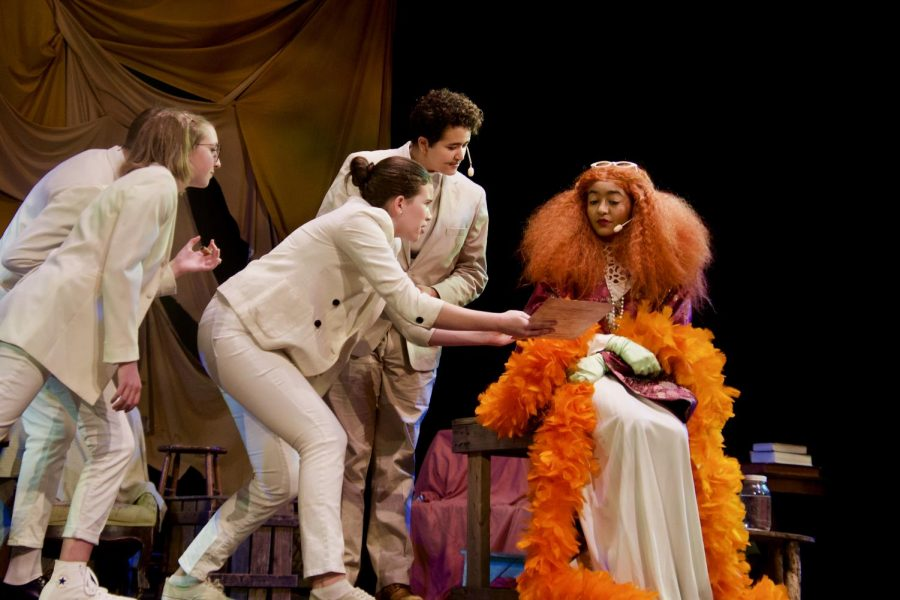 [THEATER REVIEW] Audiences go mad for fall play