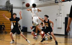 [PHOTO GALLERY] Boys Basketball loses to Blake