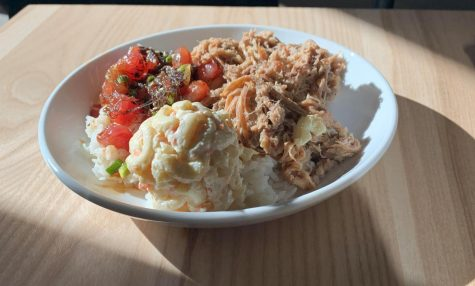 [RESTAURANT REVIEW]  Ono Hawaiian Plates showcases traditional and creative Hawaiian food