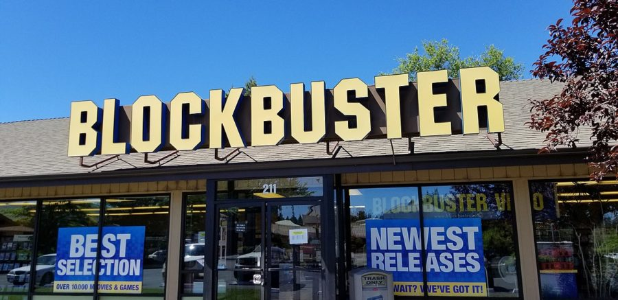 "The last remaining Blockbuster is in Bend, Oregon. The Last Blockbuster follows store manager Sandi Harding and her ""Blockbuster family"" as she runs the store."