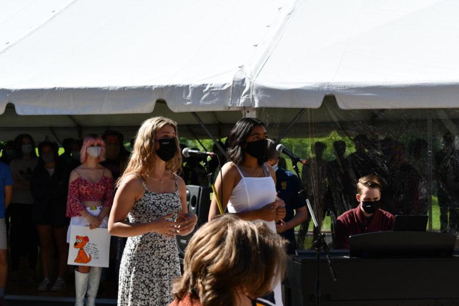 Senior Gracie Tilney-Kaemmer and alumni Ananya Narayan sang For Good by Idina Menzel and Kristin Chenoweth.