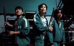 Cho Sang-Woo, Seong Gi-Hun, and Kang Sae-byeok band together to protect themselves from possible attacks during the night.